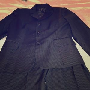 Nine west suit size 4. Pin stripped. Like new